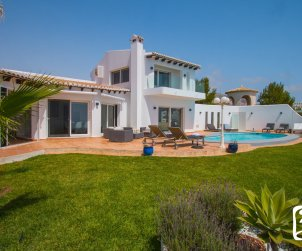 House  in Benitachell  for 10 persons with private pool, sea view and air conditioning  p1