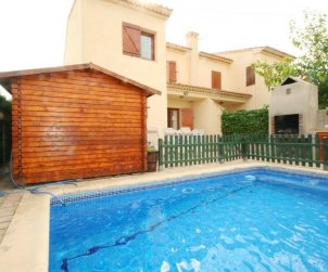 House  in Ametlla de Mar  for 6 persons with private pool and close to the sea  p0
