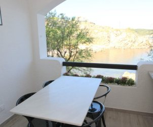 Flat  in L'Escala  for 5 persons with shared pool and sea view  p1