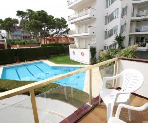 Flat  in L'Escala  for 6 persons with shared pool and sea view  p2
