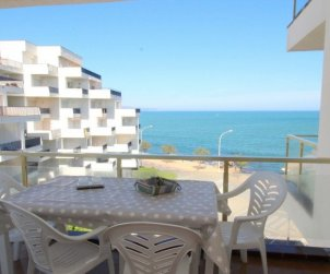 Flat  in L'Escala  for 6 persons with shared pool and sea view  p0