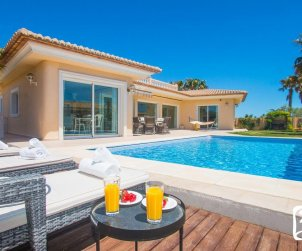 House  in Moraira  for 6 persons with private pool, sea view and air conditioning  p0