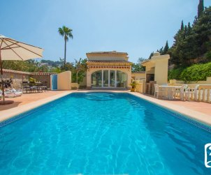 Villa  in Moraira  for 6 persons with private pool, air conditioning and near sea  p0