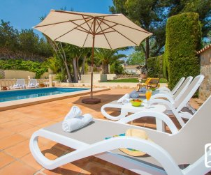 Villa  in Moraira  for 6 persons with private pool, air conditioning and near sea  p1