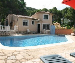 House  in Denia  for 6 persons with private pool  p0