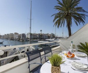 Flat   Empuriabrava 5 persons - dishwaher p0