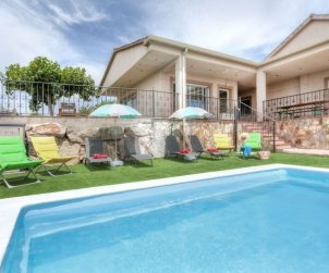 House   Vidreres 10 persons - private pool p1