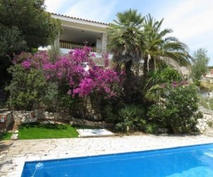 House  in Peniscola  for 9 persons with private pool and near sea  p0