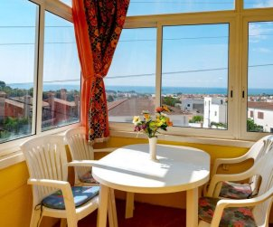 Flat   Creixell 7 persons - panoramic sea view p1