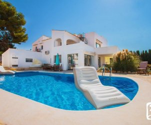 House  in Calpe  for 10 persons with private pool, sea view and air conditioning  p0