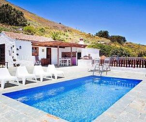 House   El Rosario 4 persons - private pool p0
