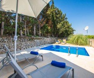 House   María de la Salut 6 persons - private pool p0