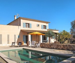 House   Llombards/C.Llombards/C.S'Almonia 6 persons - private pool p0