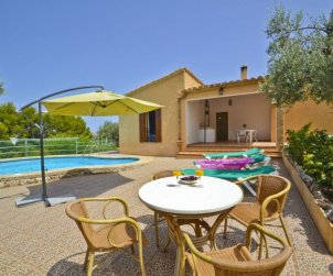House   Alcúdia 6 persons - private pool p0