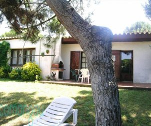 House  in Begur  for 4 people with communal pool and garden  p0