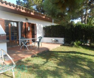 House  in Begur  for 4 people with communal pool and garden  p1