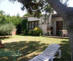 House  in Begur  for 4 people with communal pool and garden  p2