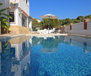 House  in Benissa  for 9 persons with private pool, air conditioning and internet  p0