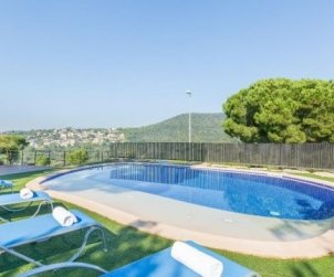 House  in Blanes  for 8 persons with private pool and garden  p1