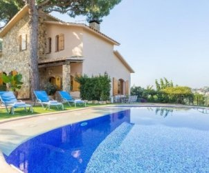 House  in Blanes  for 8 persons with private pool and garden  p2