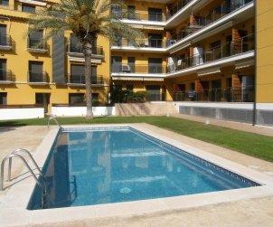 Flat   L'Estartit 6 persons - comunal pool p0