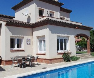 Villa   Miami Platja for 8 persons with private pool and A/C p0