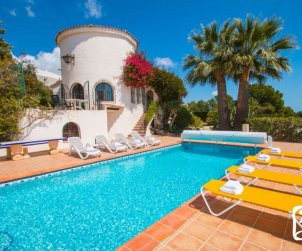 House  in Benissa  for 10 persons with private indoor pool, solarium and beautiful sea view  p1