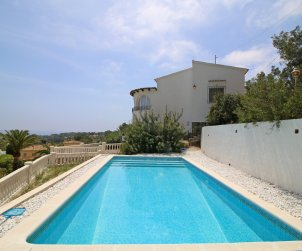 House  in Benissa  for 7 persons with private pool and sea view  p0