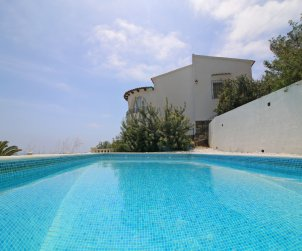 House  in Benissa  for 7 persons with private pool and sea view  p1