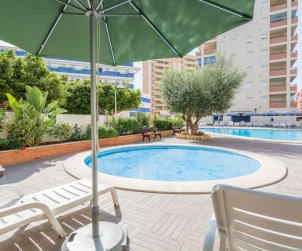 Flat  in Oropesa del Mar  for 6 persons with communal swimming pool, air conditioning and near sea  p1