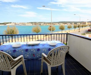 Flat  in l'Escala  for 6 persons with communal pool, sea view and parking  p0