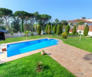 House  in Lloret del Mar  for 8 persons with private pool  p1