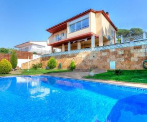 House  in Lloret del Mar  for 8 persons with private pool  p0