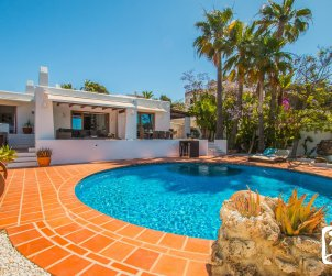 House  in Moraira  for 8 people in ibiza style with private pool and air conditioning  p0