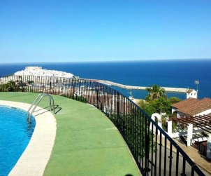 Flat  in Peniscola  for 6 persons with shared pool, sea view and parking  p1