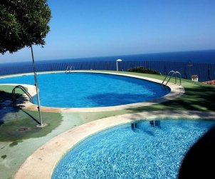 Flat  in Peniscola  for 6 persons with shared pool, sea view and parking  p0