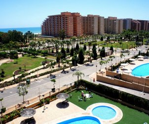 Flat  in Oropesa del Mar  for 6 persons with shared pool, air conditioning and parking  p0