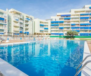 Apartment  in Oropesa del Mar  for 6 people with communal pool, parking and near sea  p1