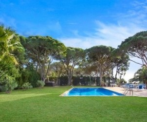House  in Calella de Palafrugell  for 8 people with private pool, air conditioning and near sea  p2