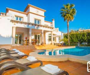 House  in Benissa  for 8 people with private pool and near sea  p1