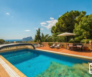 Villa  in Benissa  for 10 people with private pool and sea view  p1