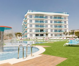 Apartment  in Alcossebre  for 5 people in a hotel complex with communal swimming pool and side sea view  p2