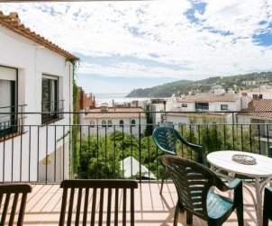 Apartment  in Calella de Palafrugell  for 7 people with sea view  p0