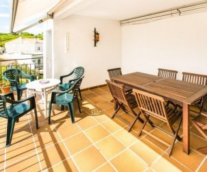 Apartment  in Calella de Palafrugell  for 7 people with sea view  p2