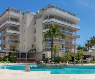 Apartment  in Rosas  for 6 people with shared swimming pool  p1