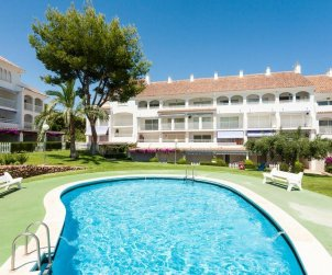 Apartment  in Alcoceber  for 4 people with shared swimming pool and near to sea  p0