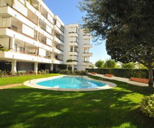Apartment  in Canet de Mar  for 7 people with shared swimming pool and sea view  p1