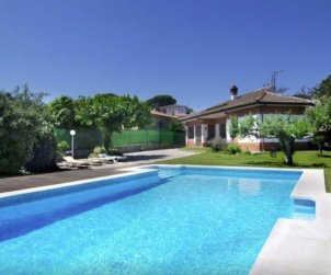 Villa  in Blanes  for 8 people with private pool and beautiful garden p0