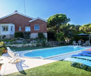 House   Sant Vicenç de Montalt 10 persons - private pool p0