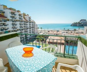 Apartment  in Peniscola  for 6 people with shared swimming pool and beautiful sea view  p0